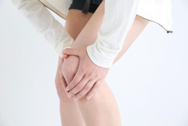 右膝の痛みを取るために左足裏を調整する